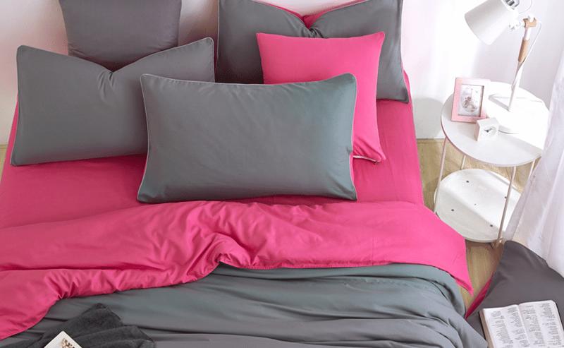 Parure de lit rose et gris
